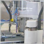 Automated bolting station integrated into an industrial robot